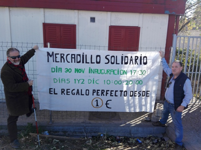 TIRAMOS LA CASA POR LA VENTANA EN EL MERCADILLO SOLIDARIO