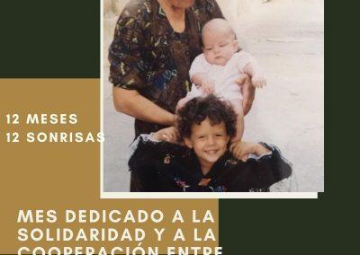 Miguela Poblador y sus nietas Marta y Rocio